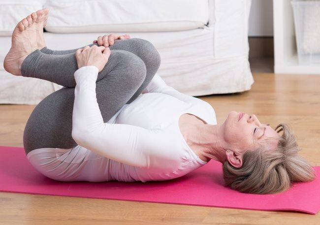 Így erősítsd a térded: 5 egyszerű gyakorlat | Egészsébadabing.hu